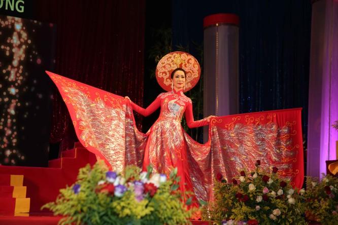 Diễn viên Lý Hương, đại gia Hoàng Kiều chung tay vì trẻ nghèo ảnh 6