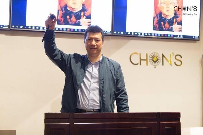 Bức tranh vẽ ông Park Hang-Seo bán 10.500 USD