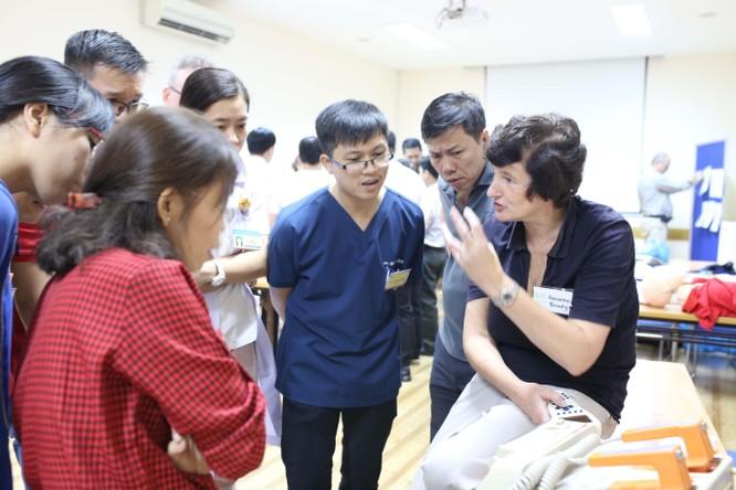 9 chuyên gia hàng đầu Úc hỗ trợ bác sĩ Nhi Đồng 1 nâng cao kỹ năng cấp cứu ảnh 4