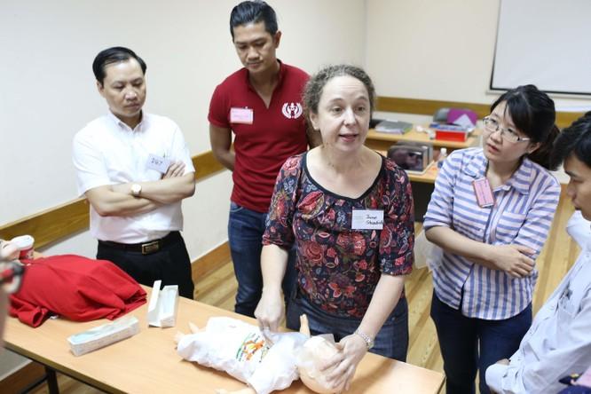 9 chuyên gia hàng đầu Úc hỗ trợ bác sĩ Nhi Đồng 1 nâng cao kỹ năng cấp cứu ảnh 5