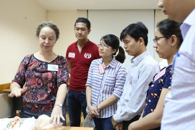 9 chuyên gia hàng đầu Úc hỗ trợ bác sĩ Nhi Đồng 1 nâng cao kỹ năng cấp cứu ảnh 6