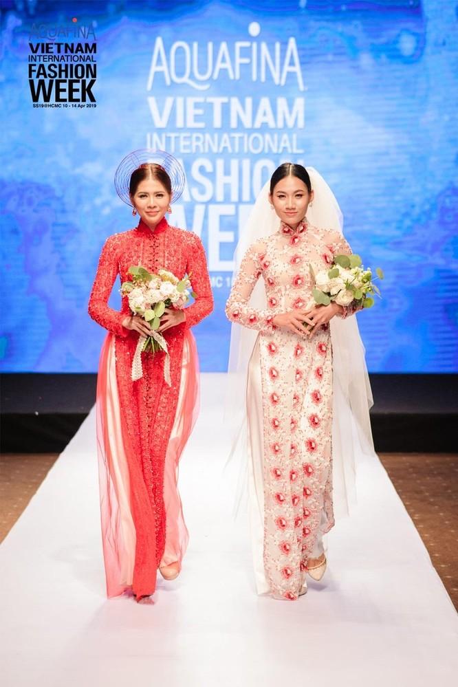 Huyền thoại thời trang Hàn Quốc – Lie Sang Bong đến Sài Gòn ảnh 1