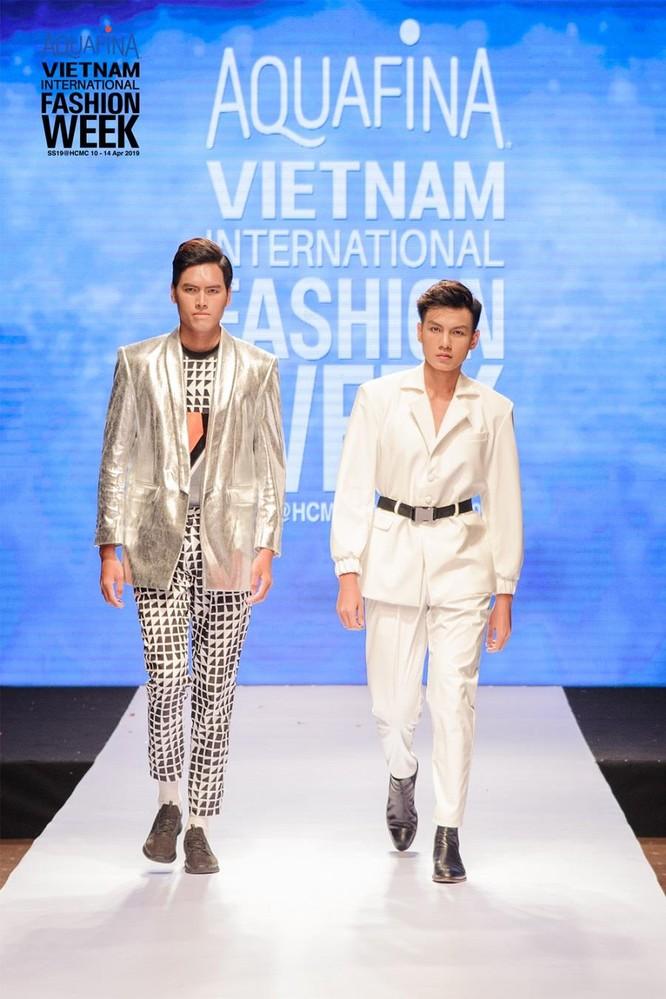 Huyền thoại thời trang Hàn Quốc – Lie Sang Bong đến Sài Gòn ảnh 3