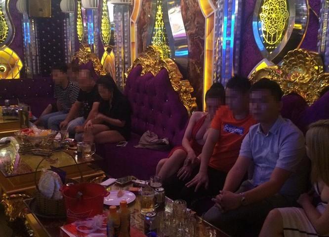 Phúc XO – người đeo nhiều vàng nhất Việt Nam đã bị bắt vì ma túy ảnh 1