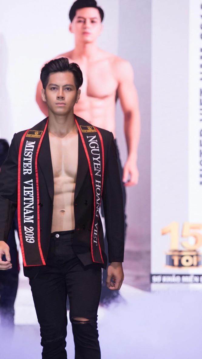 """Lộ diện top 30 """"mỹ nam"""" hot nhất Mister Vietnam 2019 ảnh 12"""