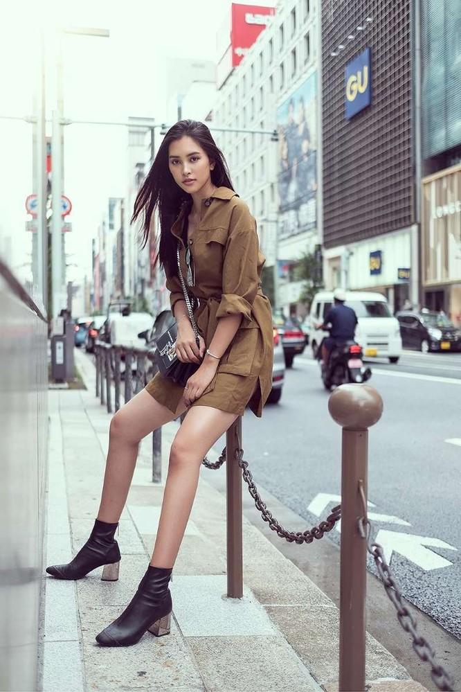 Hoa hậu Tiểu Vy khoe cá tính và thần thái trên phố Nhật ảnh 1