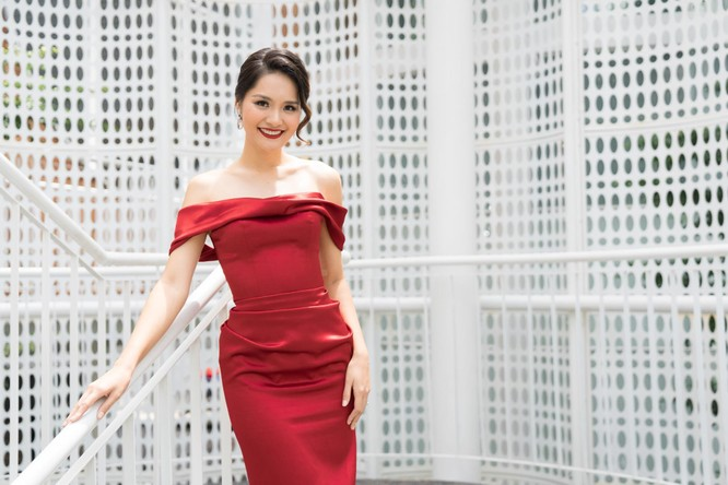 Thí sinh và giám khảo Hoa hậu Hoàn vũ đua nhau khoe sắc ảnh 1
