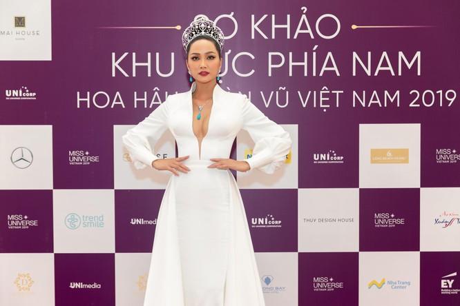 Nóng bỏng phần thi bikini Hoa hậu Hoàn vũ VN 2019 ảnh 8