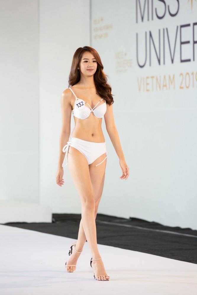 Nóng bỏng phần thi bikini Hoa hậu Hoàn vũ VN 2019 ảnh 4