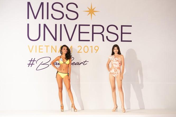 Nóng bỏng phần thi bikini Hoa hậu Hoàn vũ VN 2019 ảnh 1