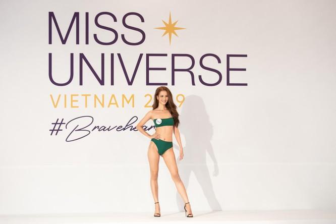 Nóng bỏng phần thi bikini Hoa hậu Hoàn vũ VN 2019 ảnh 3