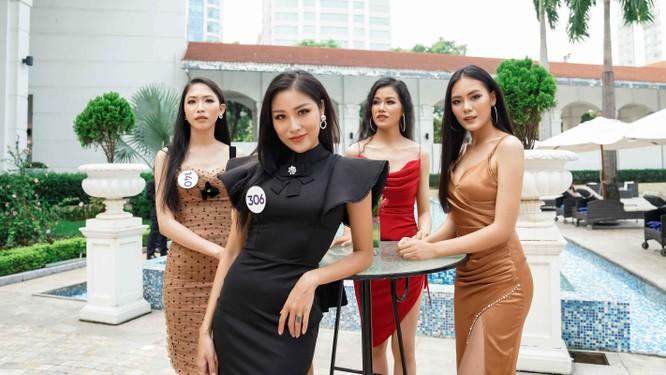 Thí sinh Hoa hậu Hoàn vũ đẹp lộng lẫy đua sắc với BGK ảnh 5