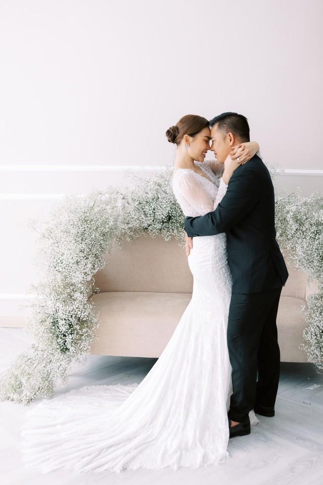 Giang Hồng Ngọc khoe hình cưới cùng chồng và con trai ảnh 14