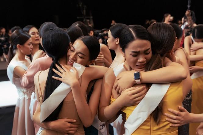 Ai là người muốn đổi ban giám khảo Hoa hậu Hoàn vũ? ảnh 8