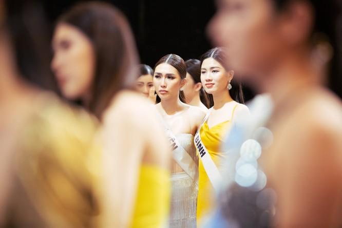 Ai là người muốn đổi ban giám khảo Hoa hậu Hoàn vũ? ảnh 4