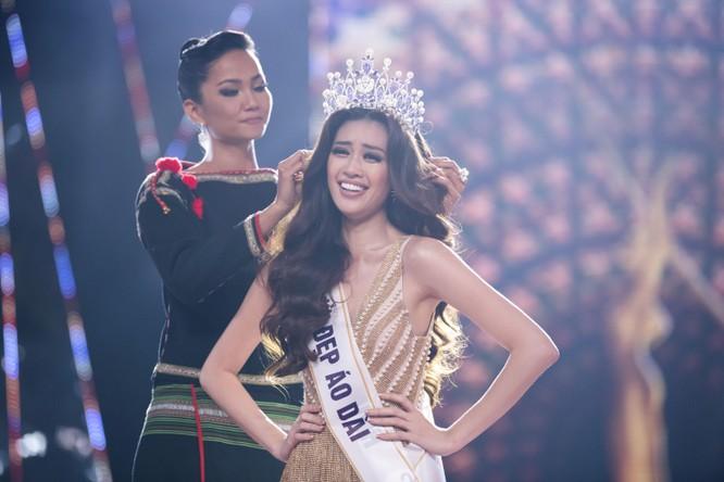 Nguyễn Trần Khánh Vân đăng quang Hoa hậu Hoàn vũ Việt Nam 2019 ảnh 2