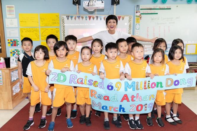 Hoa hậu H'Hen Niê gây quỹ hơn 22.000 USD cho Room to Read ảnh 4