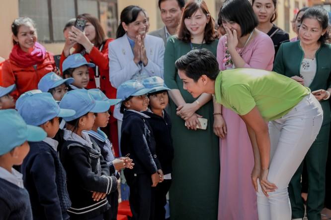Hoa hậu H'Hen Niê gây quỹ hơn 22.000 USD cho Room to Read ảnh 12