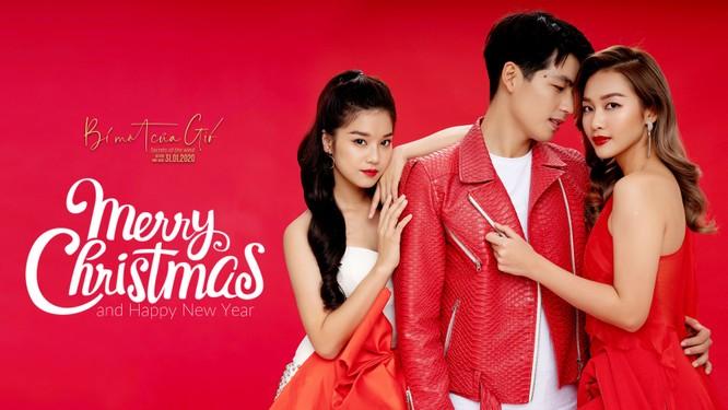 Hoàng Yến Chibi, Khả Ngân và Quốc Anh đỏ rực quyến rũ mùa Noel ảnh 8