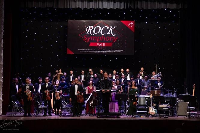 Rock Symphony với nhạc trưởng Lê Phi Phi, tay violon Tăng Thành Nam và dàn nhạc