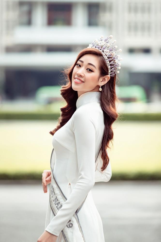Hoa hậu Khánh Vân mặc trang phục với thông điệp bảo vệ làng nghề làm chiếu ảnh 12