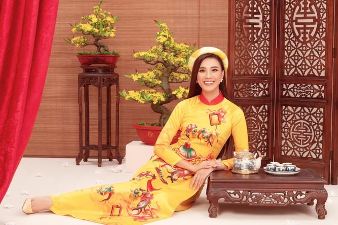 Á hậu Kim Duyên trong áo dài của NTK Thủy Nguyễn