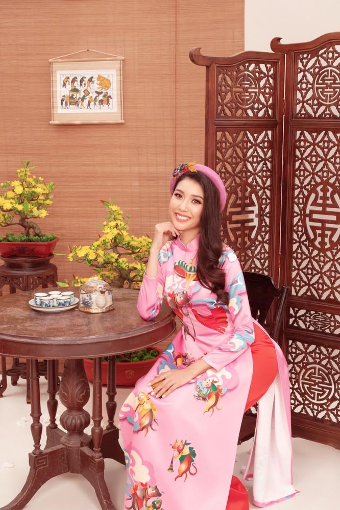Á hậu Thúy Vân - Top 3 Hoa hậu Hoàn vũ 2019 gửi lời chúc xuân đến công chúng