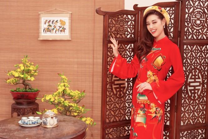 Hoa hậu Khánh Vân trong áo dài của NTK Thủy Nguyễn