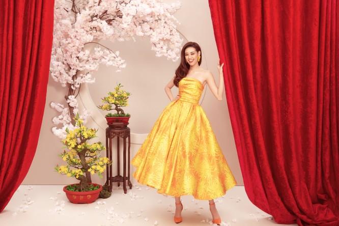 Hoa hậu Khánh vân mặc đầm của NTK Đỗ Mạnh Cường