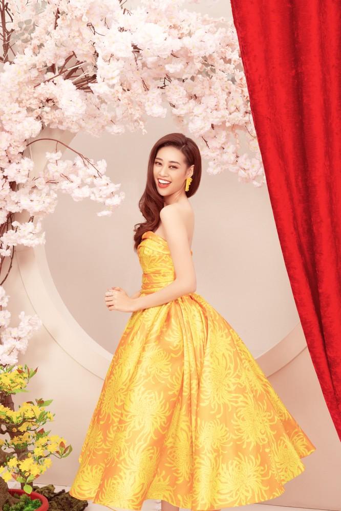 Hoa hậu Khánh Vân gửi lời chúc mừng năm mới 2020 đến toàn thể công chúng