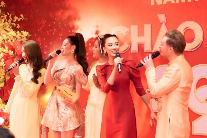Các người đẹp, Hoa hậu, Á hậu của HHHV Việt Nam cùng tham gia chúc Tết