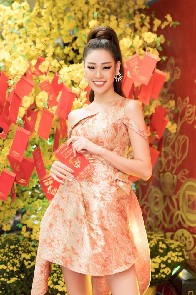 Hoa hậu Khánh Vân, Á hậu Kim Duyên, Thúy Vân rạng rỡ chào năm mới 2020 ảnh 3