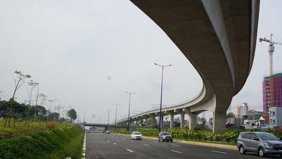 Metro đoạn đường trên cao đã cơ bản hoàn thành (Ảnh: Quốc Hùng)