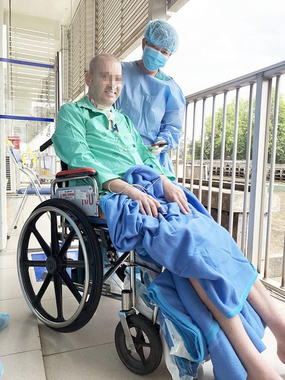 Rời khỏi các loại máy hỗ trợ, bệnh nhân 91 hồi sinh diệu kỳ, hy vọng được về Anh ảnh 1
