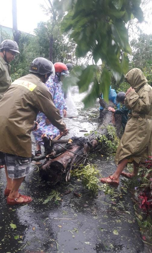 Bão số 9: Sóng lớn, rất khó khăn khi tìm kiếm cứu nạn 26 thuyền viên mất tích ảnh 4