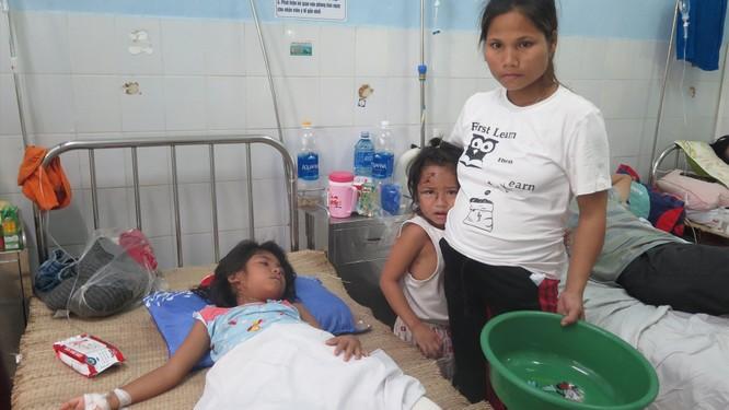 Cấp cứu 6 nạn nhân vụ sạt lở Trà Leng đa chấn thương nghiêm trọng và đều bị hội chứng vùi lấp ảnh 1
