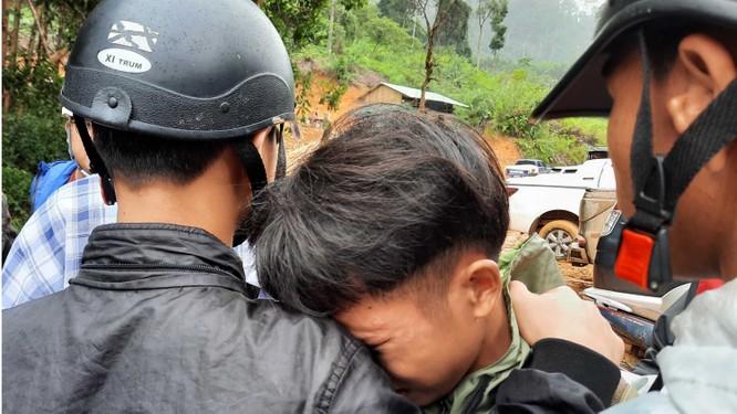 Dốc toàn lực, đưa cả máy bay và tàu thuỷ vào cứu dân Trà Leng ảnh 14