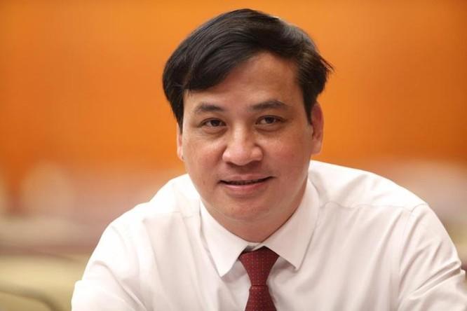 Ông Lê Hoà Bình và bà Phan Thị Thắng chính thức trở thành Phó Chủ tịch UBND TP.HCM ảnh 2