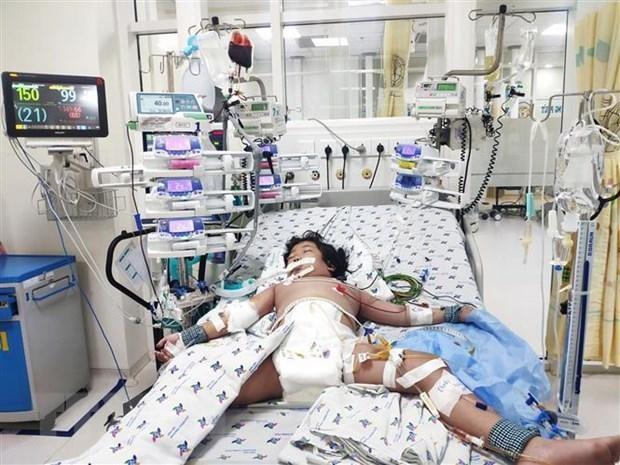 Cứu sống bệnh nhân sốt xuất huyết bị sốc nặng, bác sĩ cảnh báo mạnh mẽ người dân ảnh 1
