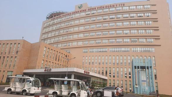 Phong toả khu dân cư 2.000 người, tiếp tục xét nghiệm 7.300 nhân viên sân bay Tân Sơn Nhất ảnh 2