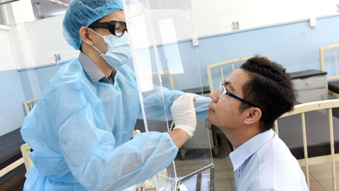 TP.HCM sẽ có robot gọi hỏi thăm sức khỏe để lấy mẫu xét nghiệm COVID-19 ảnh 2