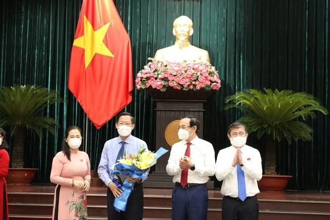 Tân chủ tịch TP.HCM Phan Văn Mãi cam kết kiểm soát dịch bệnh ở TP.HCM ảnh 2