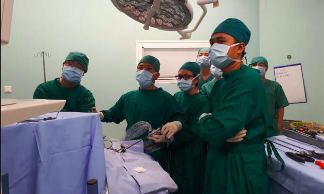 Một ca phẫu thuật tại Bệnh viện Nhi đồng Thành phố