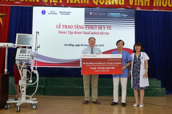 VinaCapital tài trợ 23 thiết bị y tế tại Cao Bằng, Bắc Kạn ảnh 2
