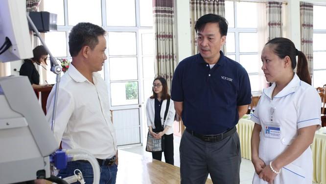 VinaCapital tài trợ 23 thiết bị y tế tại Cao Bằng, Bắc Kạn ảnh 3