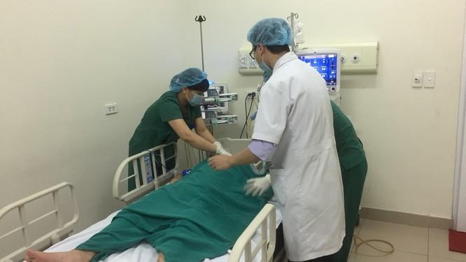Họp hội đồng chuyên môn 2 Bệnh viện, giải thích cặn kẽ cho người nhà ảnh 2