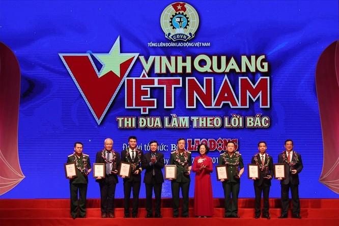 3 đại diện của ngành y tế được tôn vinh tại chương trình Vinh quang Việt Nam 2019 ảnh 1
