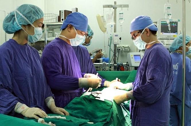 Cứu người đàn ông nguy kịch do bị lóc động mạch chủ ảnh 1