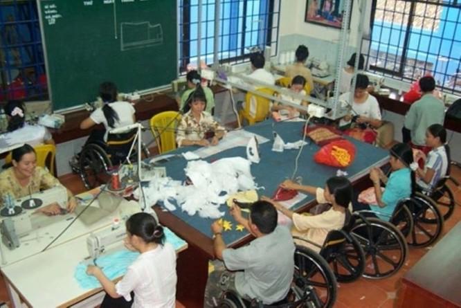 Ưu tiên mở rộng danh mục chi trả BHYT cho người khuyết tật ảnh 2