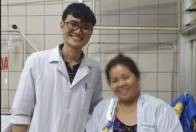 Bệnh viện Bạch Mai chinh phục kỹ thuật cắt gan nội soi ảnh 1